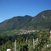 Cis, vom nahe gelegenen Dorf