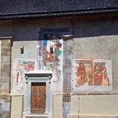 Fresken an den Außenmauern