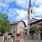 Der Hauptplatz mit der Pfarrkirche