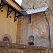 Alte Fresken auf der Kirche
