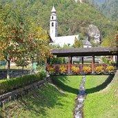 Das Dorf mit seiner Kirche