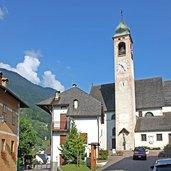 Sirór und die Pfarrkirche des Hl. Andreas