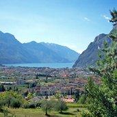 D-0332-riva-del-garda-und-See-Panorama.jpg