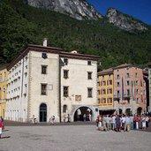 1332110251D-0302-riva-del-garda-palazzo-municipale.jpg