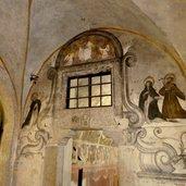 D-0649-castel-thun-ingresso-cappella-di-san-giorgio.jpg