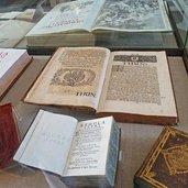 D-0669-antichi-libri-castel-thun.jpg