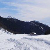 D-5152-lago-calaita-e-rifugio-ristorante-miralago-inverno.jpg