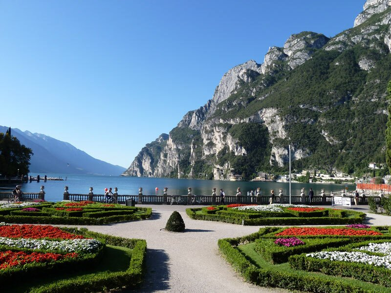 Giardino Zen Lago Di Garda : Lake garda cycle track riva del torbole mori